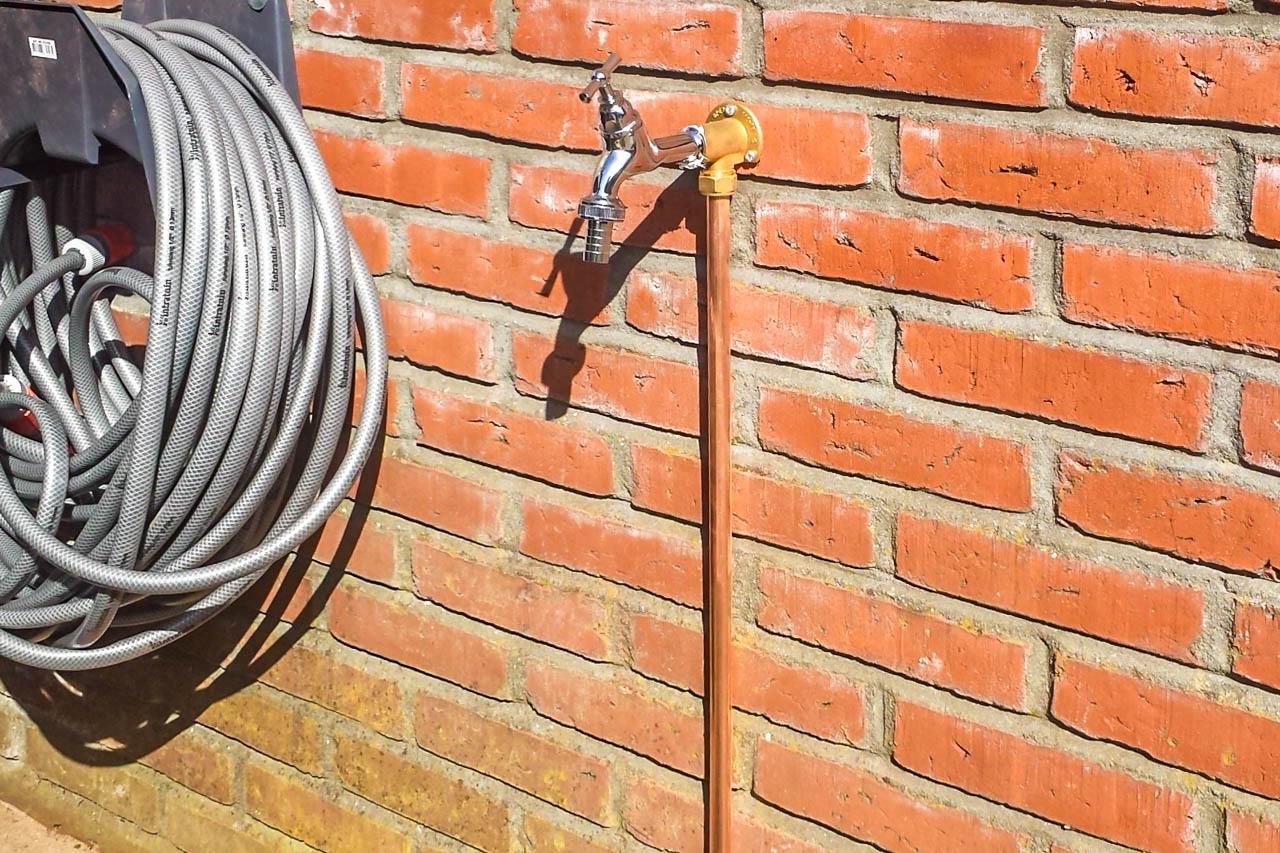 buitenkranen en buitenstopcontacten aanleggen voor een vaste prijs
